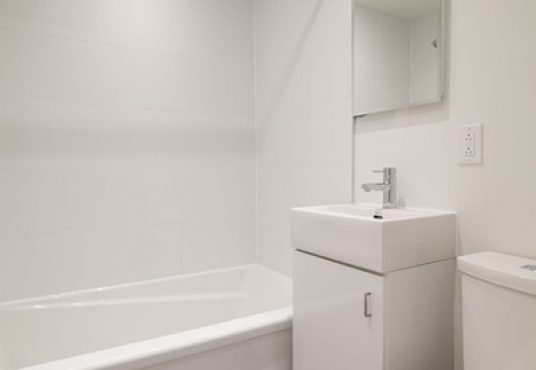 50046 0603 2018 02 Marketing Apartment Bathroom Portrait 1 2