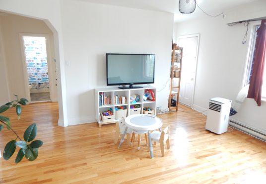 5266 Bessborough - 3-bedroom unit for rent in NDG